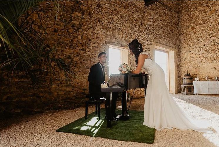 cocktail autour du piano pour ce mariage