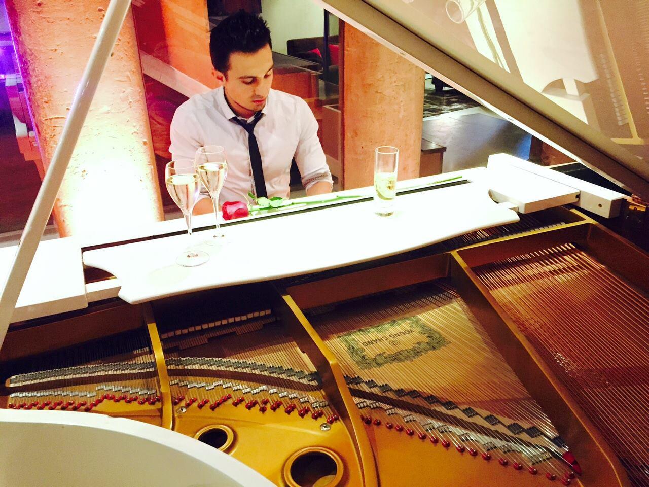 pianiste lyon archives pianiste dj professionnel. Black Bedroom Furniture Sets. Home Design Ideas